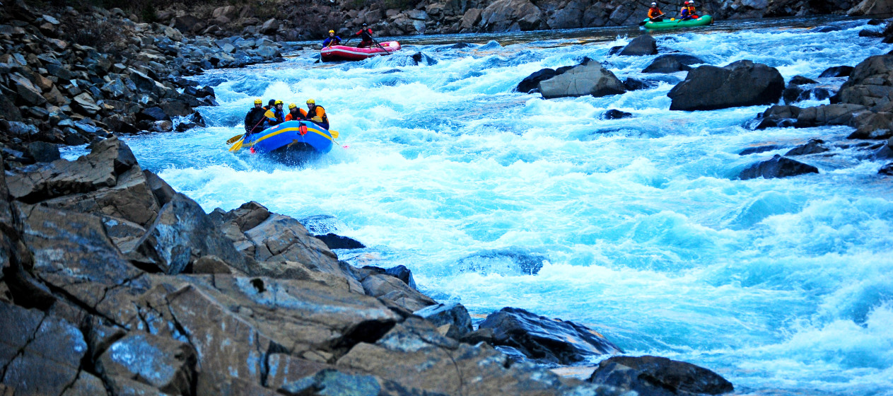 Rafting Double-Double Rapid on the North Fork of the Smith, California.